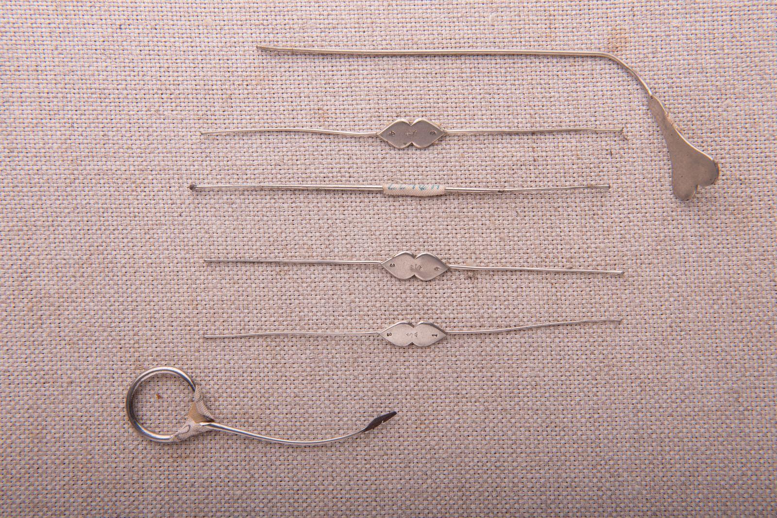 Muzei33_Офталмологичени сонди и игла от средата на 20-ти век
