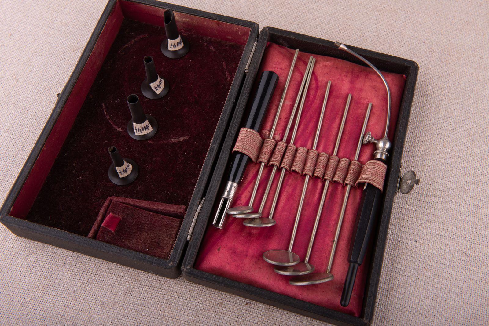 Muzei50_Ото-рино-ларингологичен комплект от началото на 20-ти век