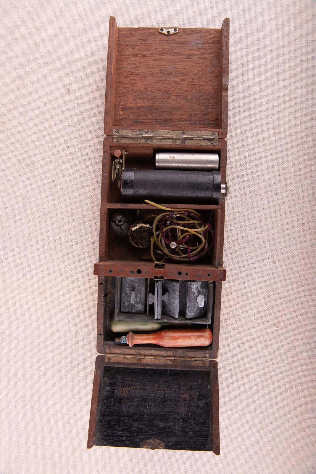 Muzei98_Термокаутер в дървена кутия