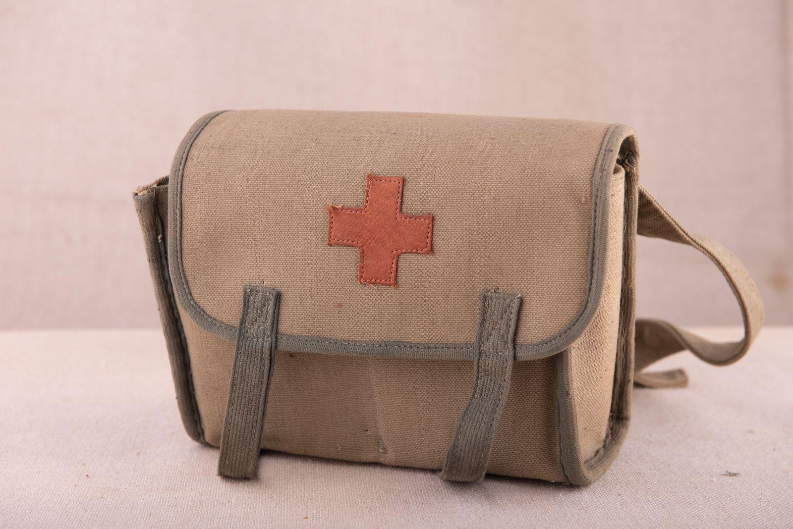 Muzei117_Платнена чанта с червен кръст