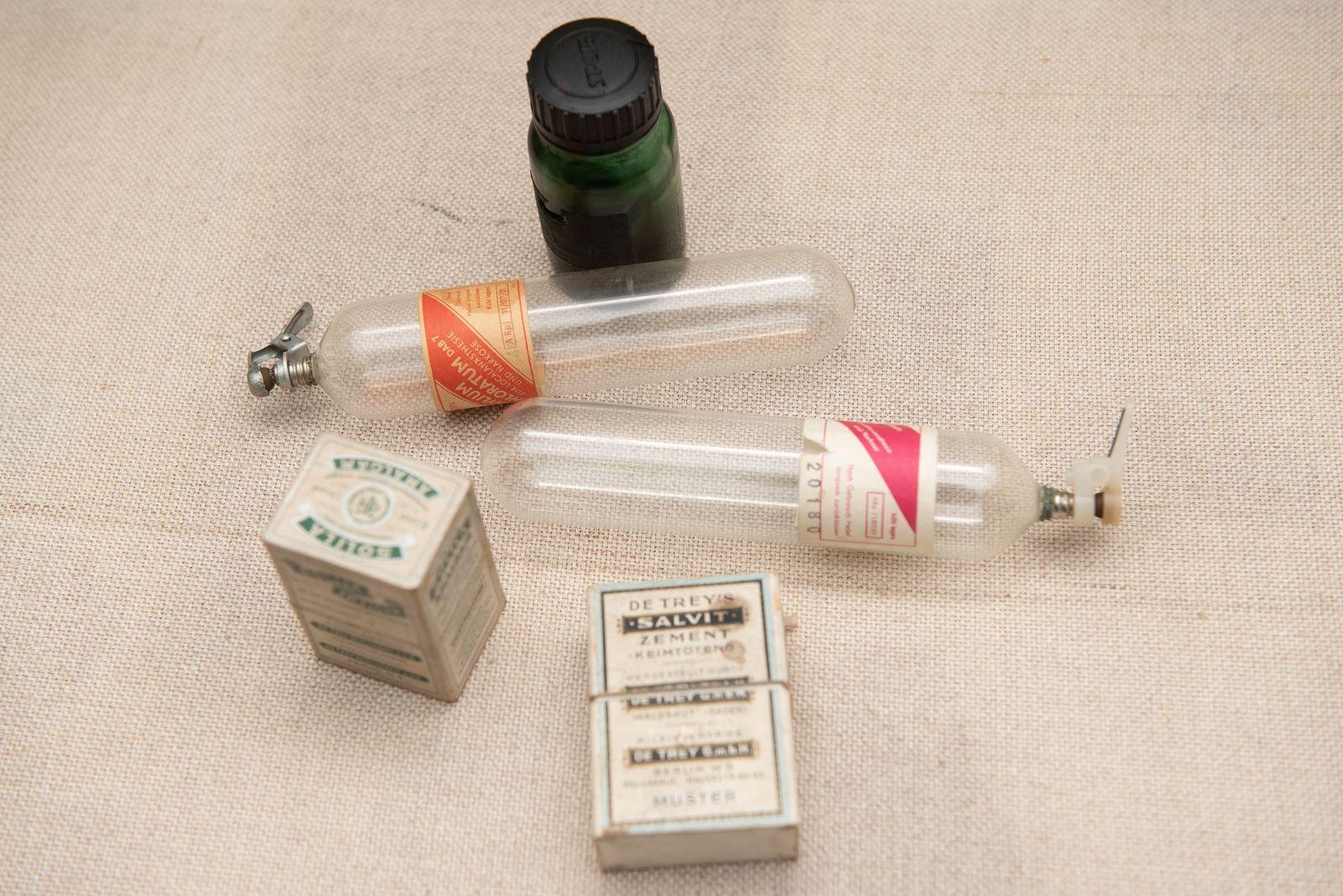 Muzei239_Лекарствени препарати и цименти