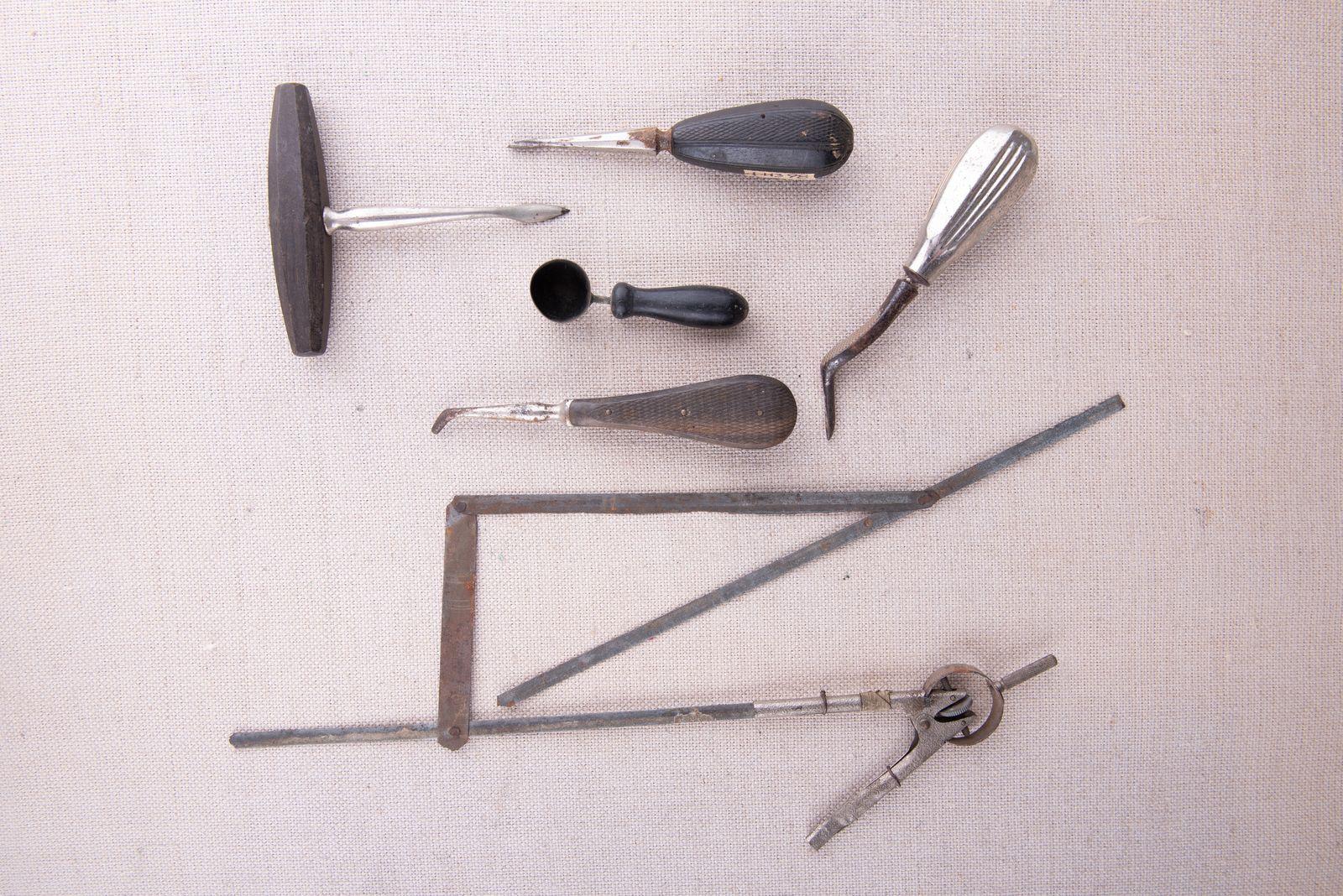 Muzei268_Хирургични инструменти за вадене на зъби