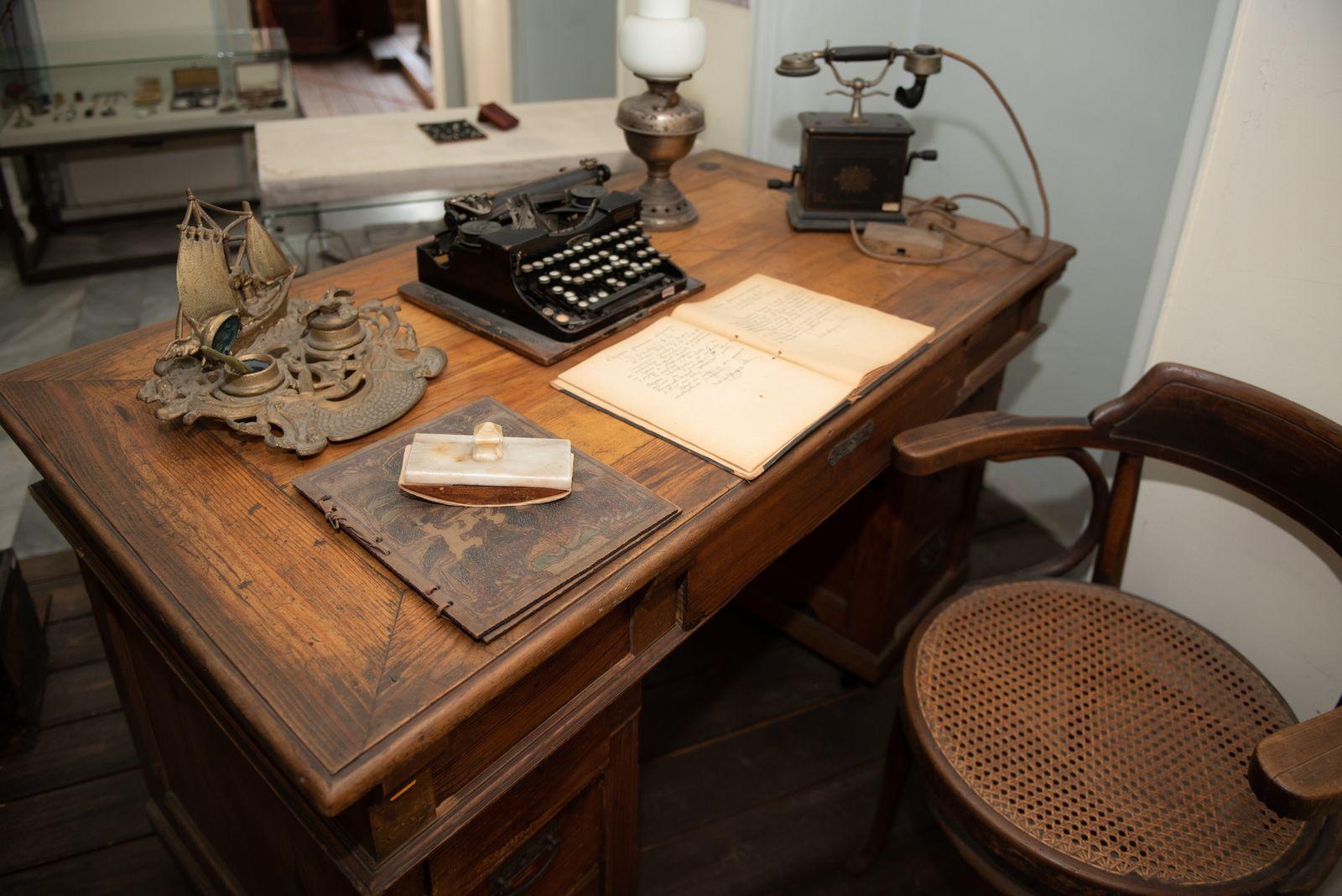 Muzei291_Старинно писалище от първата половина на 20-ти век