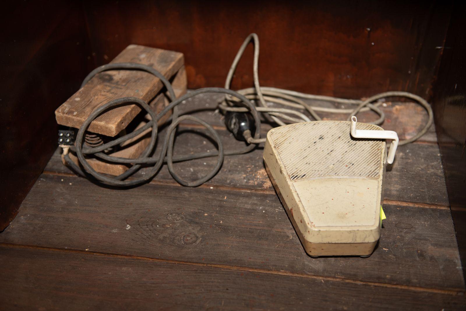 Muzei297_Части от зъботехническа апаратура - реостати за висящи мотори от средата на ХХ век