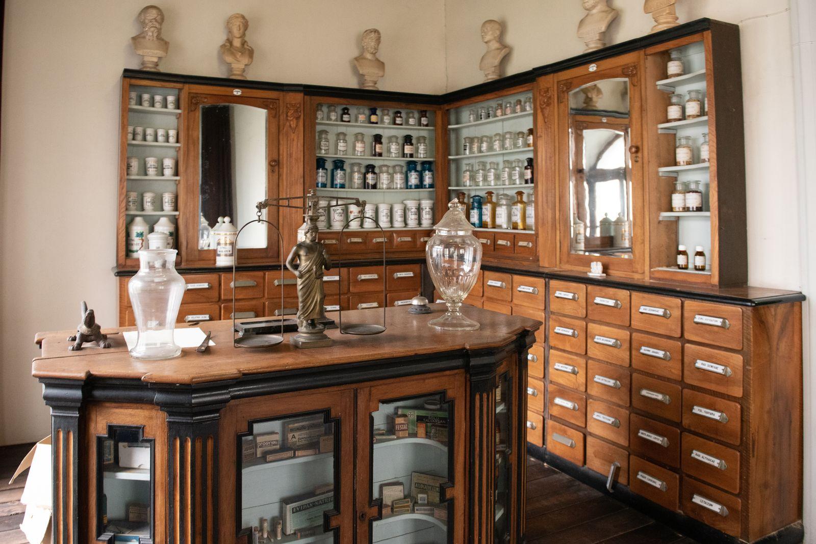 Muzei140_Старинна аптека от края на XIX и началото на XX век