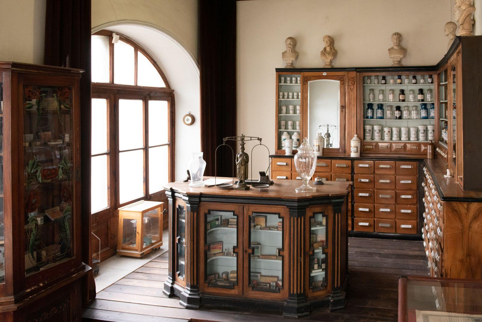Muzei142_Старинна аптека от края на XIX и началото на XX век