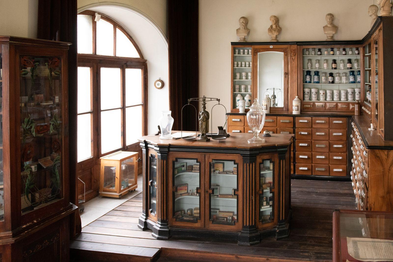 Muzei143_Старинна аптека от края на XIX и началото на XX век