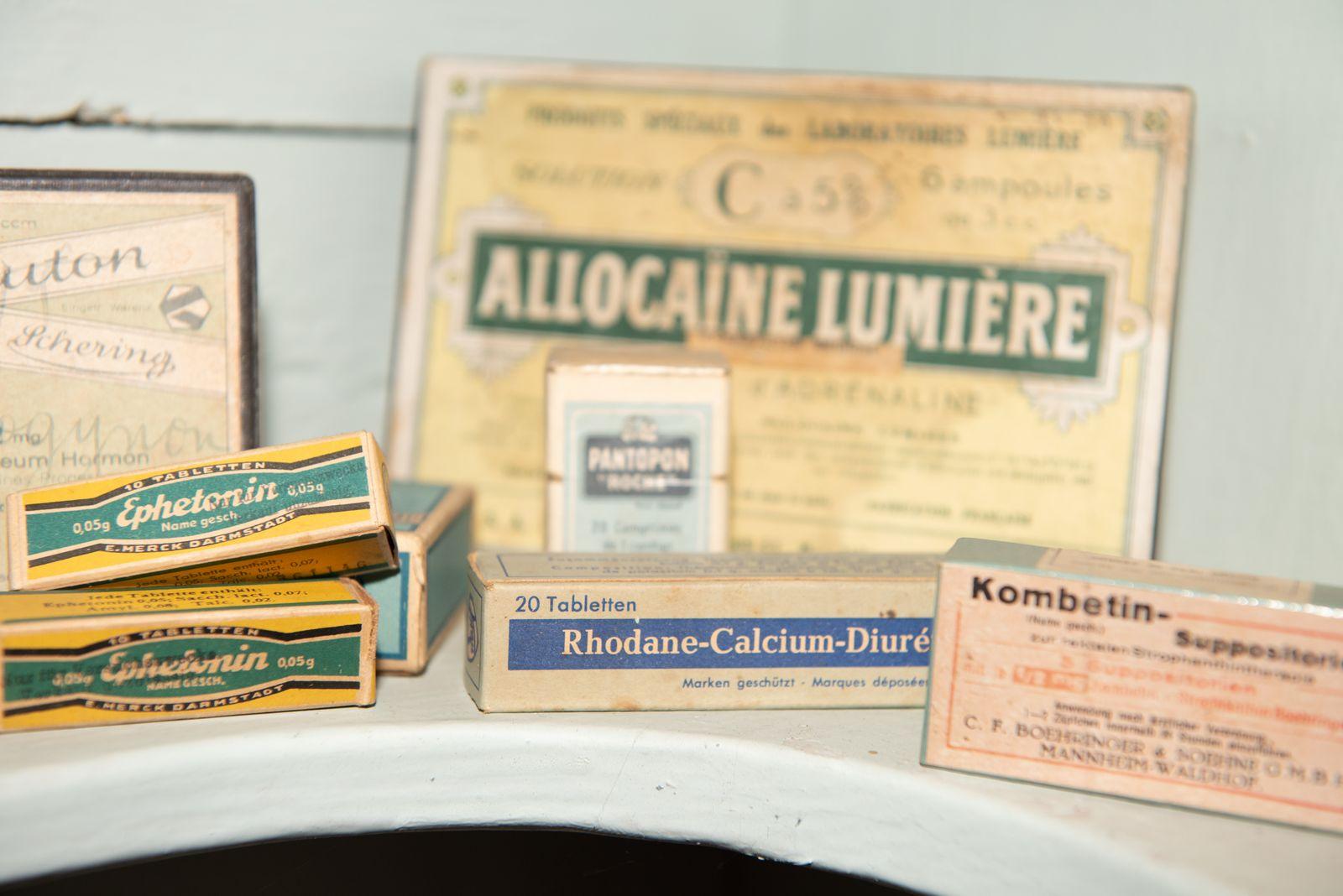 Muzei152_Лекарствени препарати от първата пол. на 20-ти век