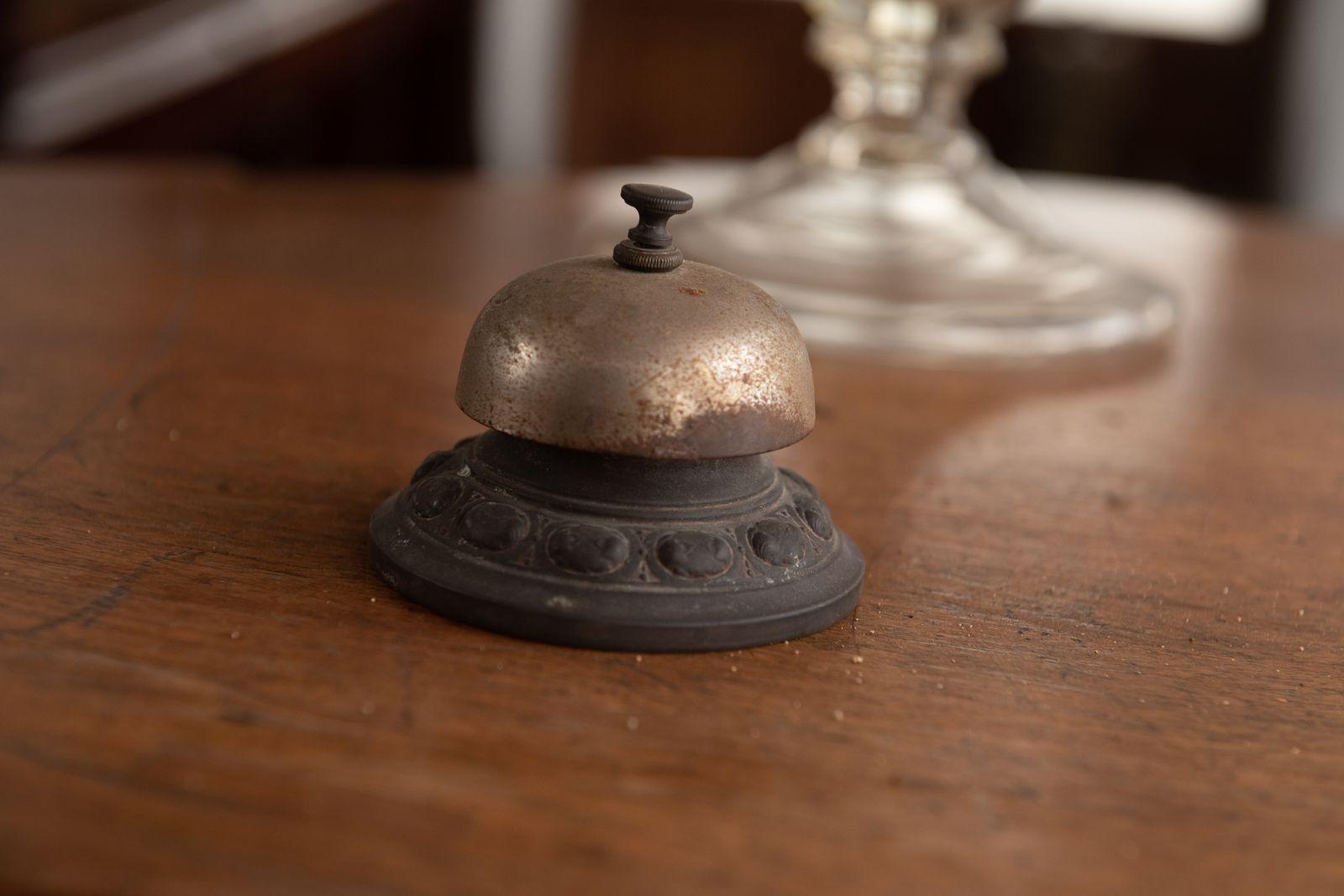 Muzei174_Настолен звънец от първите години на 20-ти век
