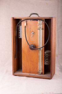 Muzei15_Апарат за пневмоторакс - За изкуствено запълване на плевралната кухина с въздух, среда на ХХв