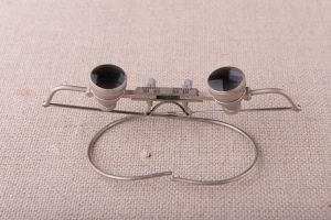 Muzei29_Очила за очни операции от средата на 20-ти век