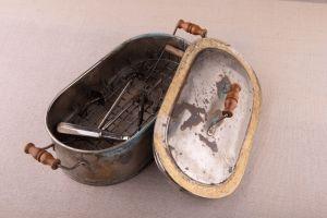 Muzei45_Стерилизатор с медицински инструменти от началото на 20-ти век