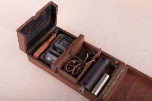 Muzei99_Термокаутер в дървена кутия