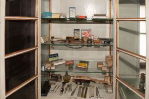 Muzei208_Лекарски шкаф от първата половина на 20-ти век