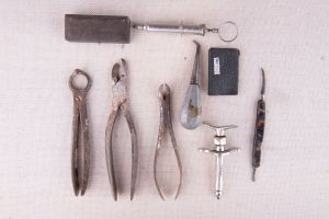 Muzei269_Зъболекарски хирургични инструменти