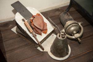 Muzei296_Зъботехническа горелка - бензинова  за топене и запояване на метал от средата на ХХ в. и вулканизатор за каучук от началото на ХХ век